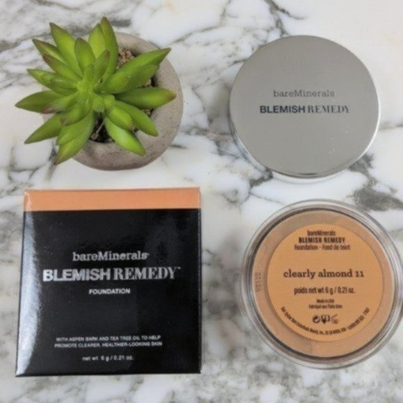 NEW BareMinerals Blemish Remedy Foundation